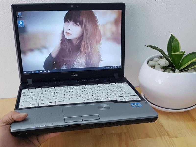 Laptop Fujitsu LIFEBOOK P772/G core i5 SSD 120G